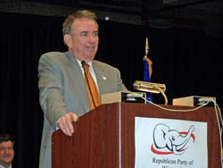 Tommy Thomspon addressed 2007 state GOP convention (File photo)