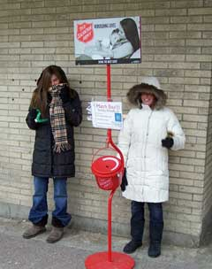 UW students with Red Kettle