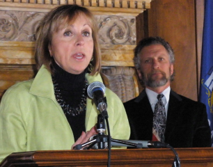 State Rep. Sandy Pasch, Jeff Spitzer-Resnick (Photo: Jackie Johnson)