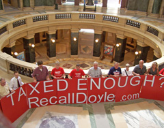 Recall Doyle effort rallies at state capitol (Photo: Jackie Johnson)
