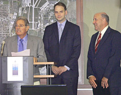 Transportation Secretary Frank Busalacchi (left) with Governor Jim Doyle (right)