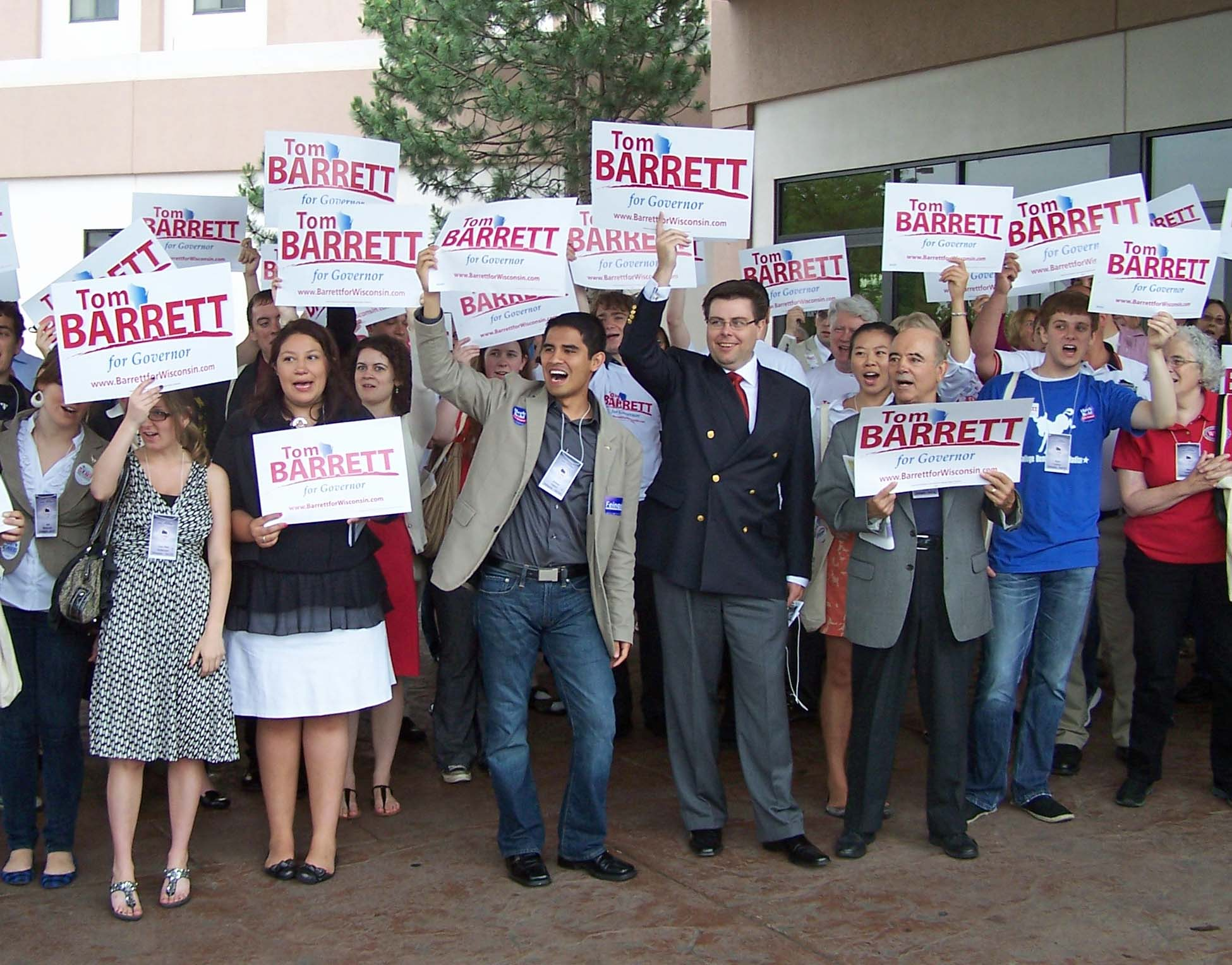 Barrett backers at convention PHOTO:WRN