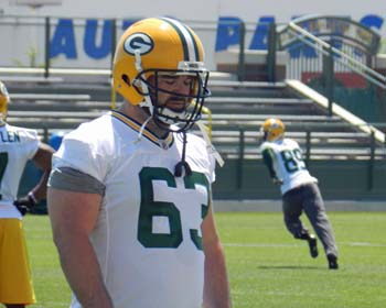 Packers officially release C Jeff Saturday - Wisconsin Radio Network