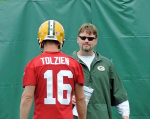 Ben McAdoo works with Packers backup QB Scott Tolzien