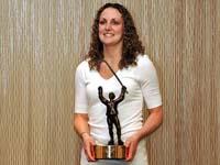 Former Badger goaltender Jessie Vetter