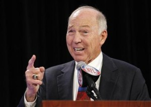 Bart Starr (File photo: WTAQ)