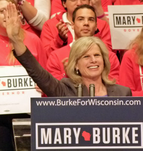 Mary Burke rallies her supporters in Madison (PHOTO: Jackie Johnson)