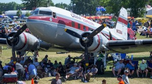Spectators at AirVenture (Photo: EAA)