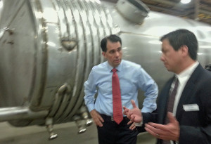 Gov. Scott Walker tours Apache Stainless Equipment Corporation in Beaver Dam. (Photo: WRN)