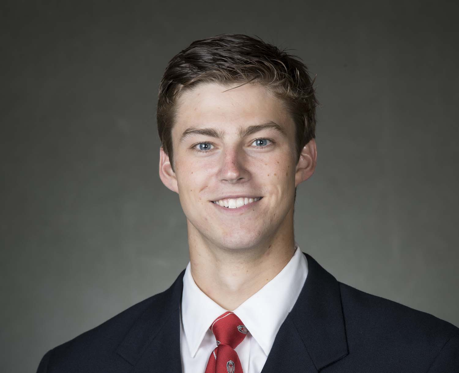 Hockey Badgers move into first place tie in the Big Ten