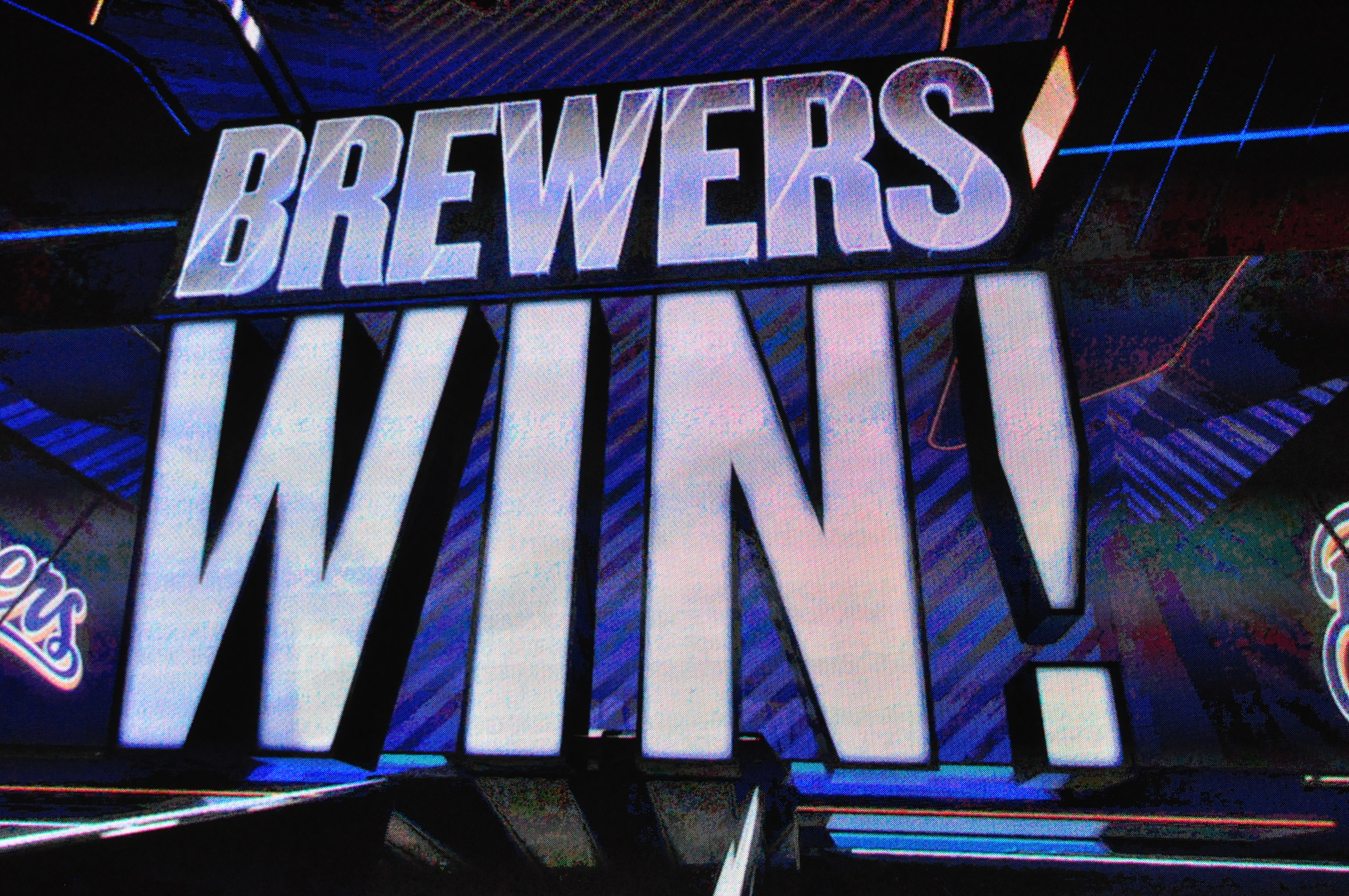 Brewers pitchers bottle up Dodgers