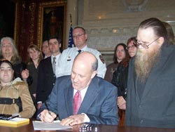 Gov. Doyle signs Malindas Act at the Capitol