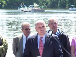 Gov. Doyle speaks at a ceremony re-opening Lake Delton