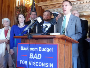 Sen. Chris Larson and fellow Democrats (Photo: Andrew Beckett)