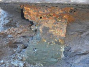 Corrosion on a support pier for the Leo Frigo Bridge. (Photo: WisDOT)