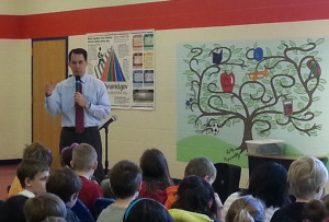 Gov. Scott Walker speaks to students at a Middleton elementary school. (Photo: WRN)