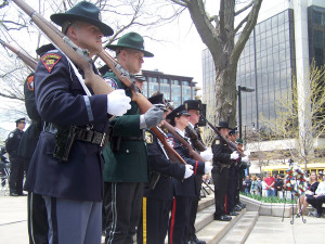 An honor guard forms at Wisconsin Law Enforcement Memorial. (Photo: Andrew Beckett)