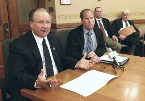 Senator Petrowski explains how his amendment makes the bill safer. (PHOTO: Jackie Johnson)