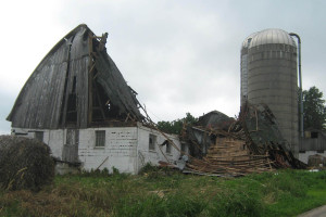Storm damage to a barn in Crawford Co. (Photo: WEM)