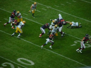 Matt Forte (22) carries the ball against the Packers.