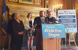 Democrats call for exploring debt-free college options. (Photo: Andrew Beckett)