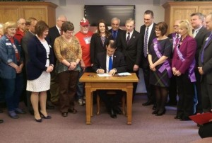Gov. Scott Walker at a bill signing ceremony in Green Bay (Photo: WTAQ)