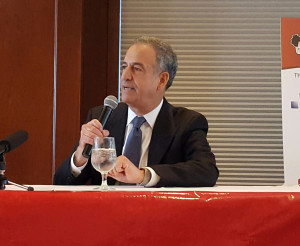Democrat Russ Feingold (Photo: Andrew Beckett)