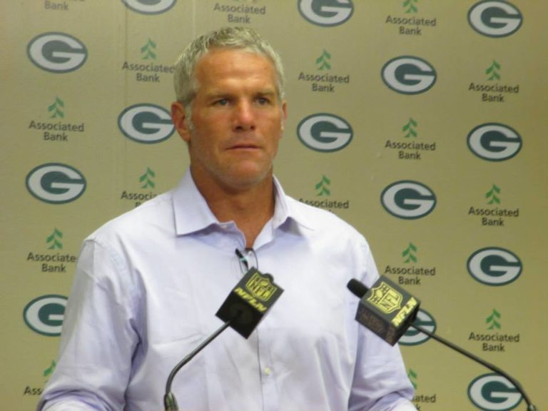 Favre says hes keeping his options open