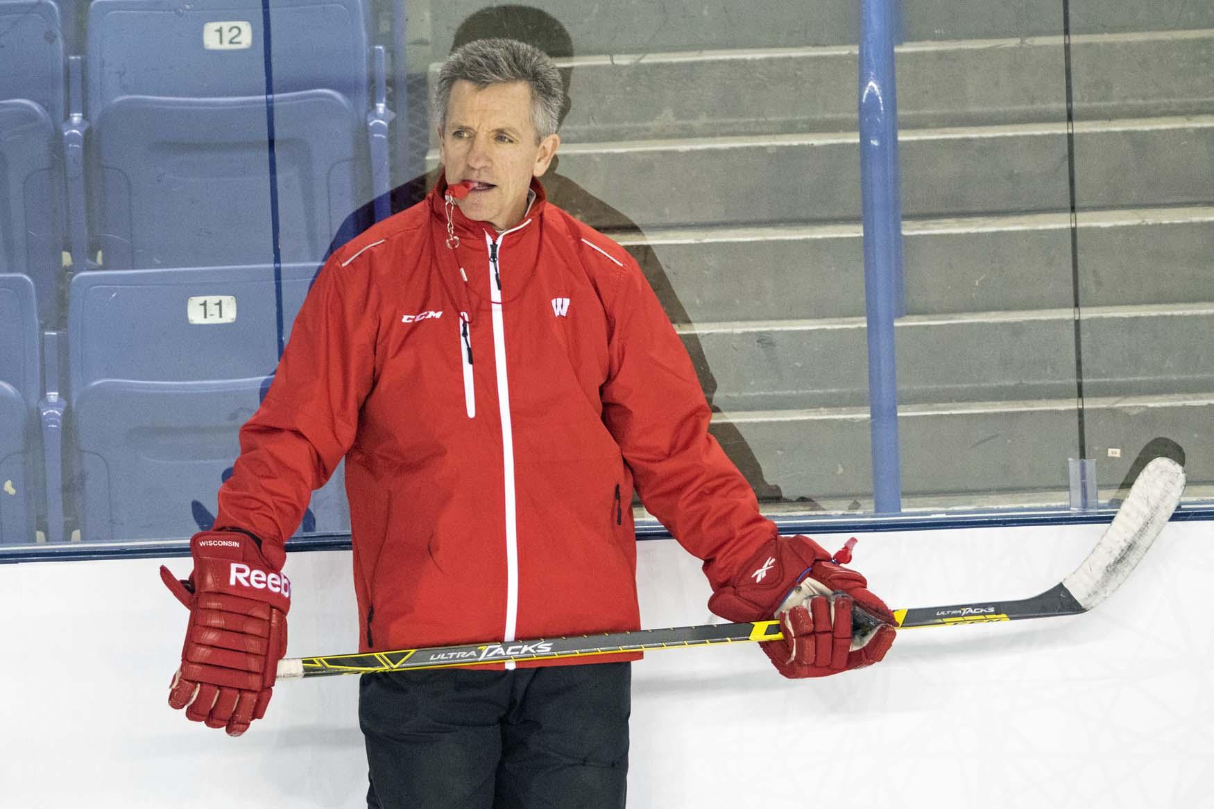 Badger women's hockey sweeps UMD, remain unbeaten